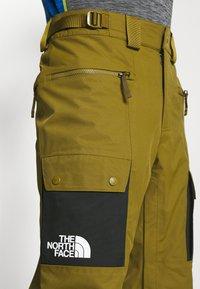 The North Face - SLASHBACK  - Zimní kalhoty - green/black - 5