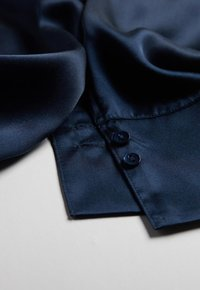 Intimissimi - MIT UMSCHLAGMANSCHETTE - Pyjama top - blu intenso - 4