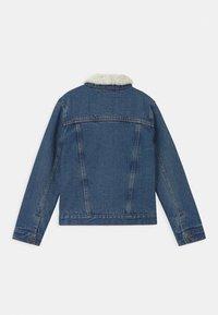 Levi's® - SHERPA TRUCKER - Denim jacket - blue denim - 1