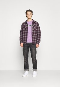 Ellesse - LANBRONE - T-shirt z nadrukiem - lilac - 1