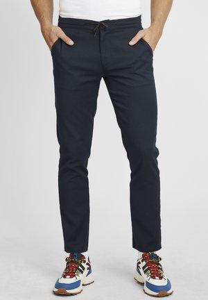 Pantalones - dress blues