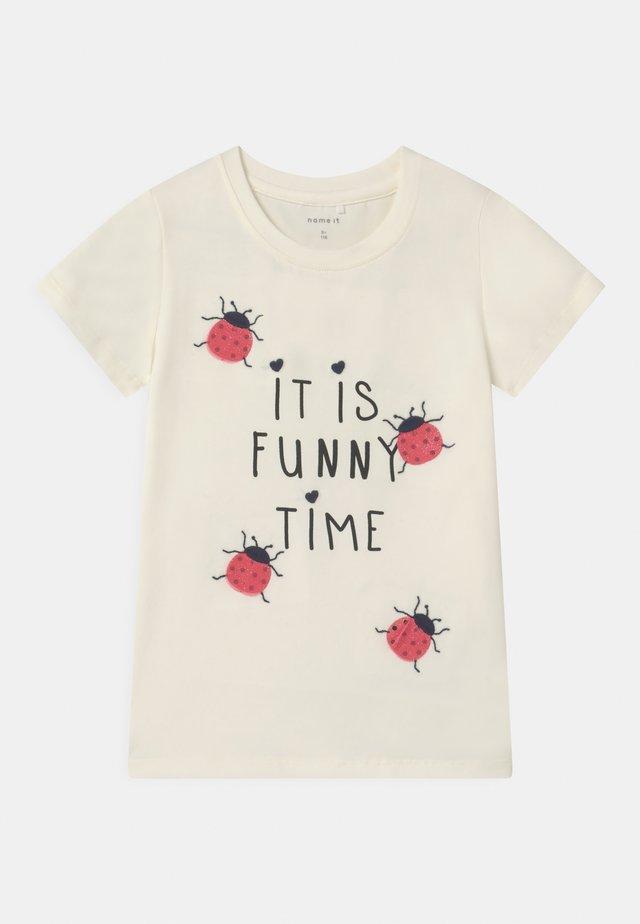 NMFDASA - Camiseta estampada - snow white