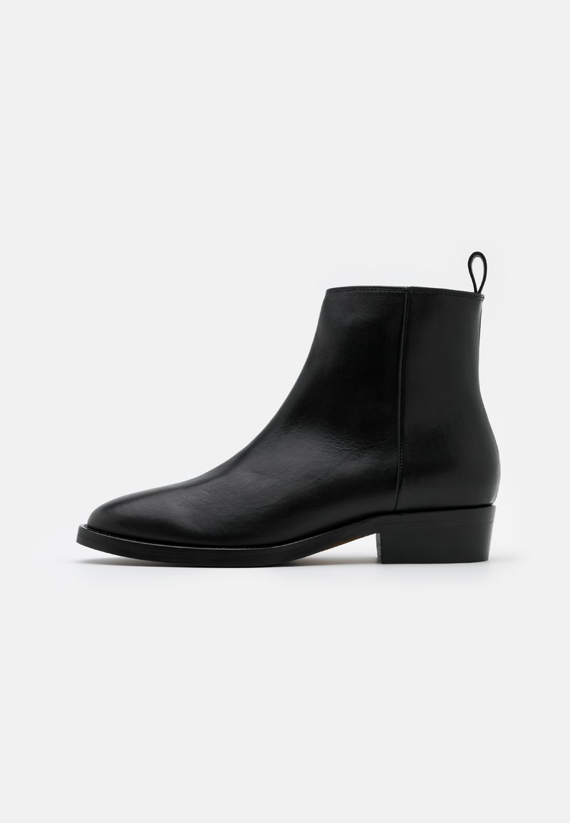 Royal RepubliQ - HANDCRAFTED HUNTER - Classic ankle boots - black