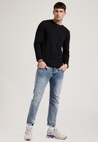 Phyne - T-shirt à manches longues - black - 1