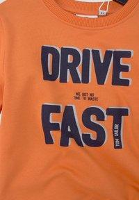 TOM TAILOR - MIT PLATZIERTEM PRINT - Sweatshirt - firecracker|orange - 2