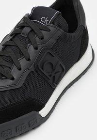 Calvin Klein - PARKER - Sneakers laag - black - 5