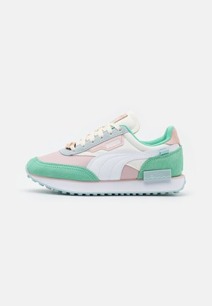 FUTURE RIDER ANIMAL CROSSING JR - Trainers - bok choy/white/rosewater