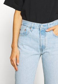 Levi's® - 501® CROP - Džíny Slim Fit - light blue denim - 3