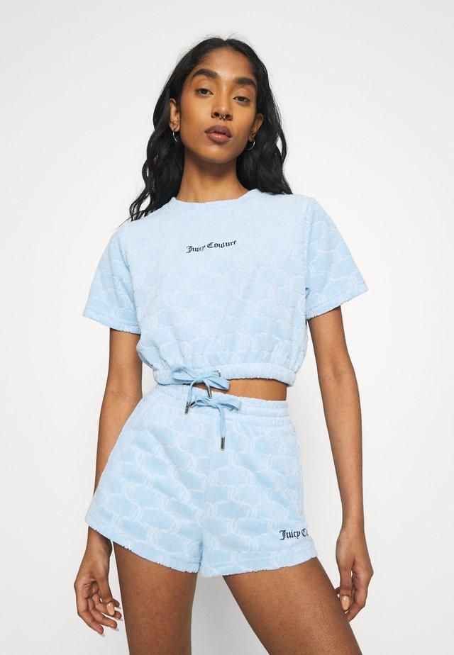 TOWELLING TATUM - T-shirt con stampa - powder blue