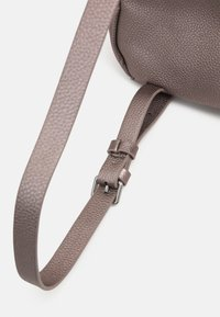 PARFOIS - BACKPACK VALENTINE - Rucksack - rose gold-coloured - 3