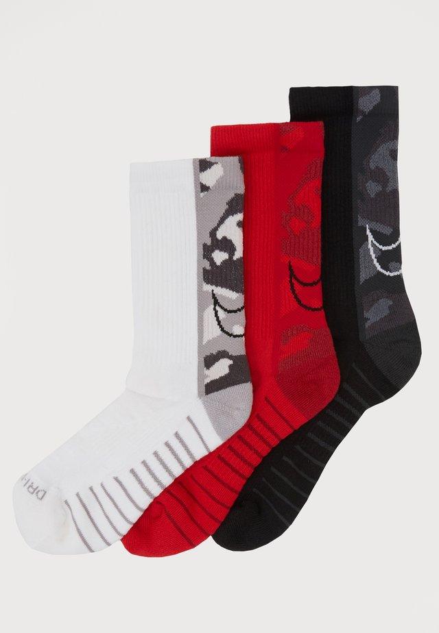 EVERYDAY MAX CUSH CREW 3 PACK - Sports socks - multicolor