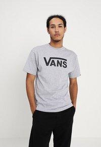 Vans - CLASSIC - Print T-shirt - athletic heather black - 0