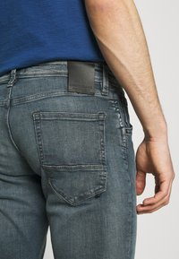 Jack & Jones - JJIGLENN JJFOX AGI - Slim fit jeans - blue denim - 4