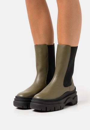 STINA BOOT VEGAN - Platform boots - green dark oliv
