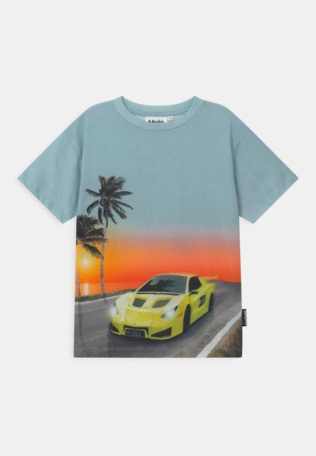 RASMUS - Print T-shirt - ocean drive