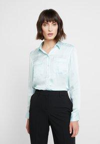 Banana Republic - DILLON UTILITY SOFT - Button-down blouse - mint - 0