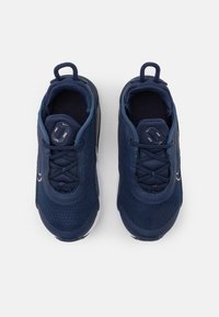 Nike Sportswear - AIR MAX 2090 UNISEX - Trainers - midnight navy/metallic red bronze - 3