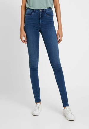 ONLROYAL - Vaqueros pitillo - medium blue denim