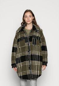 ONLY - ONLNEWCAMILLA SHACKET - Classic coat - kalamataas - 0