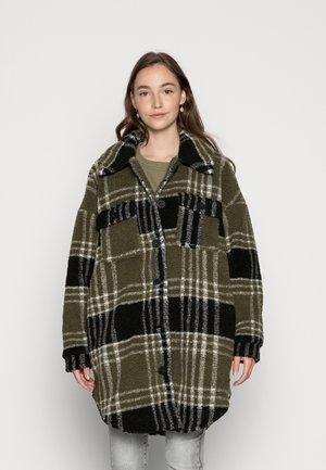 ONLNEWCAMILLA SHACKET - Classic coat - kalamataas
