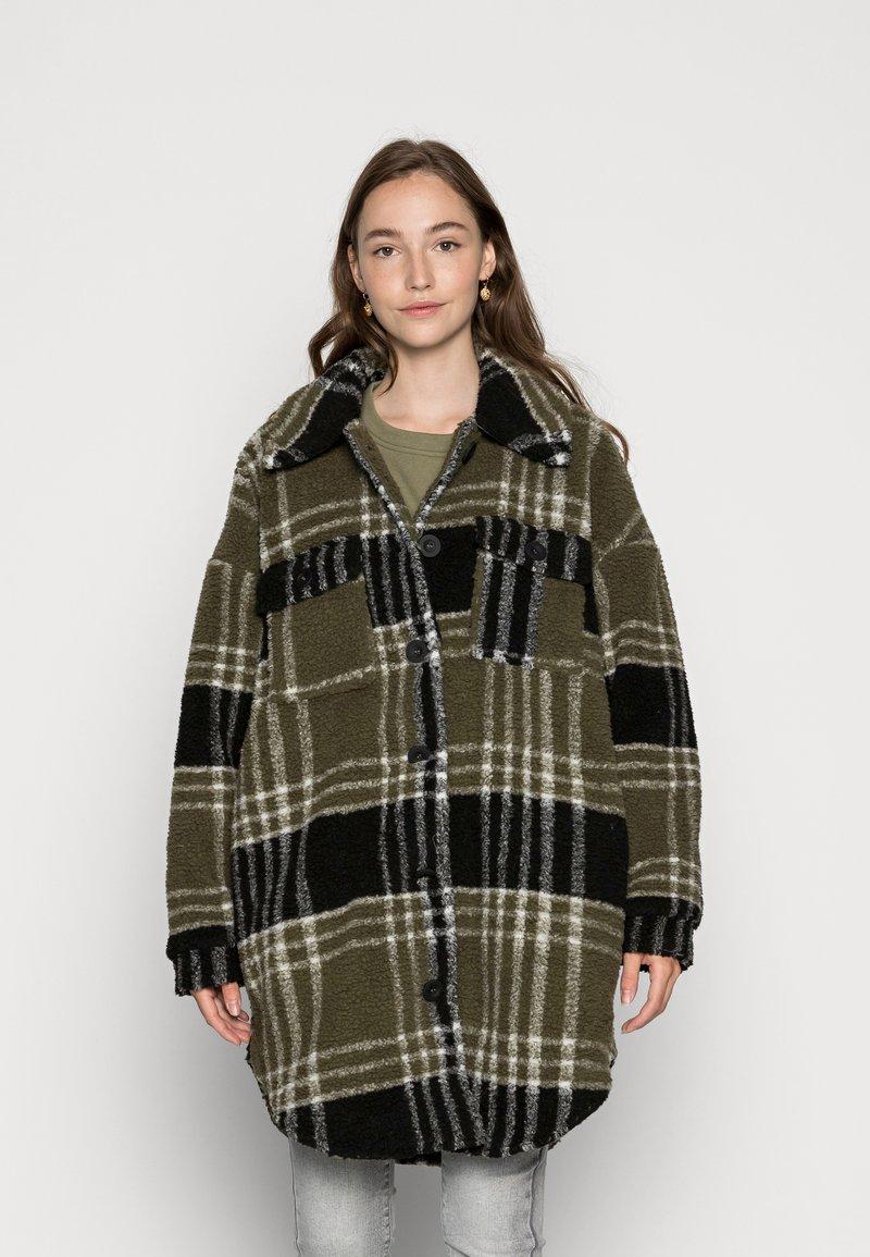 ONLY - ONLNEWCAMILLA SHACKET - Classic coat - kalamataas