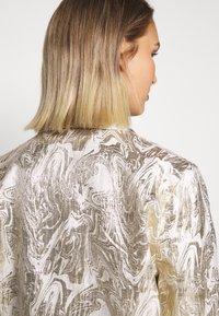 Bruuns Bazaar - LUNAS JACKET - Short coat - white/gold - 7