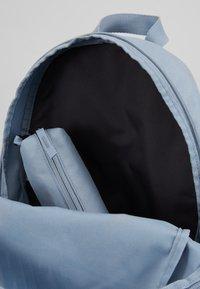 Nike Sportswear - UNISEX - Školní sada - obsidian mist/laser blue - 5