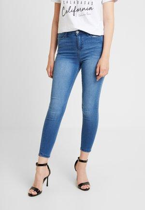 LIZZIE  - Skinny džíny - blue denim