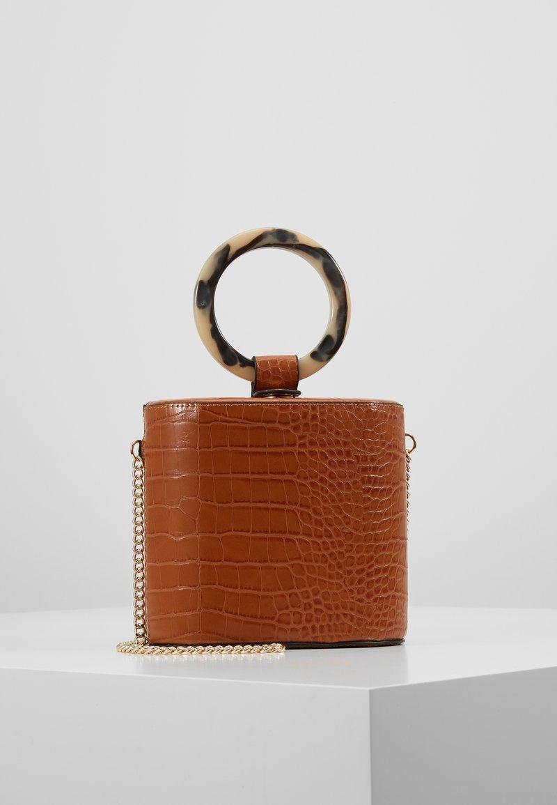 Topshop - GAZE GRAB - Håndtasker - orange
