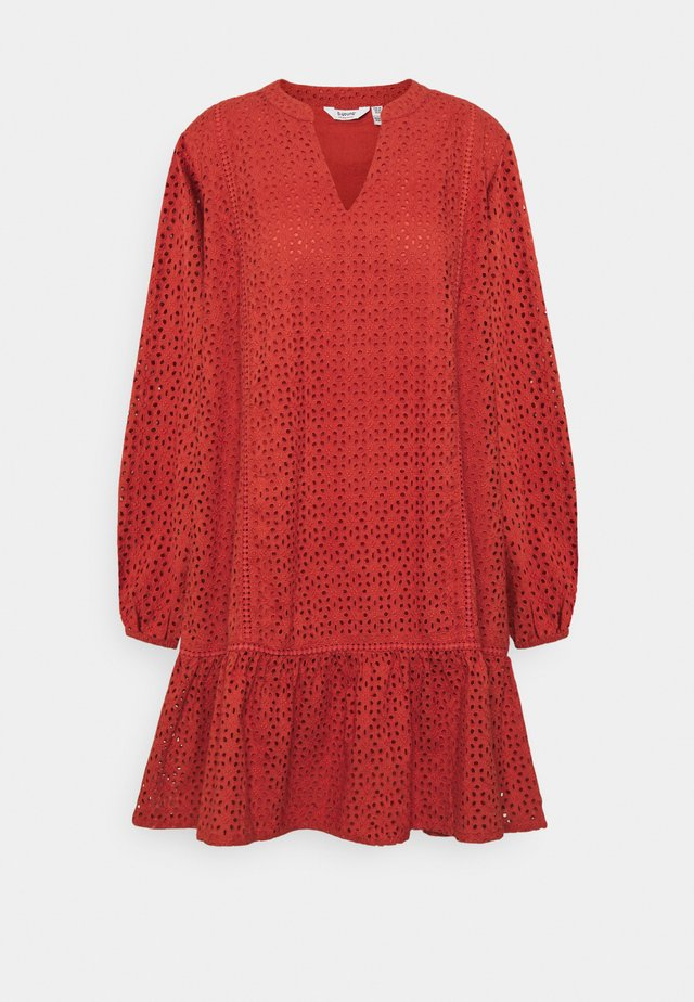 BYIMMILA DRESS - Korte jurk - etruscan red