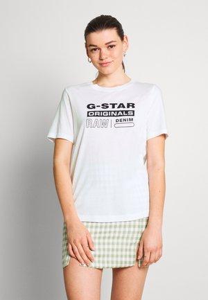 ORIGINALS LABEL REGULAR - Marškinėliai su spaudiniu - white