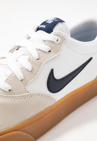 Nike SB - NIKE CHRON - Sneakers - white/light brown/black/photo blue/hyper pink - 5