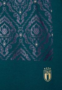 Puma - ITALIEN FIGC CULTURE CREW SWEATER - Sweater - ponderosa pine/gold - 5