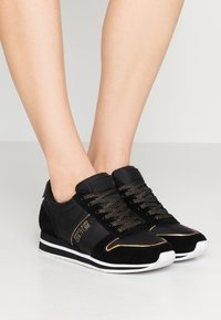Versace Jeans Couture - Joggesko - black - 0