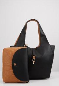 PARFOIS - SET - Handbag - black - 7