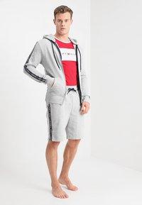 Tommy Hilfiger - HOODY  - Pyjamashirt - grey - 1