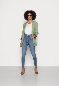 Esprit - SHAPING - Jeans Skinny Fit - blue medium wash - 1
