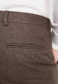 Shelby & Sons - BEMBRIDGE  - Pantalones - brown - 5