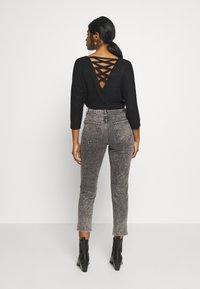 New Look Petite - ACID MOM SANT - Džíny Slim Fit - dark grey - 2