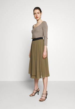 DRESS 2-IN-1 - A-line skirt - iguana green
