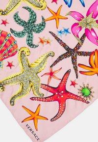 Versace - FOULARD - Šátek - rosa/multicolor - 2