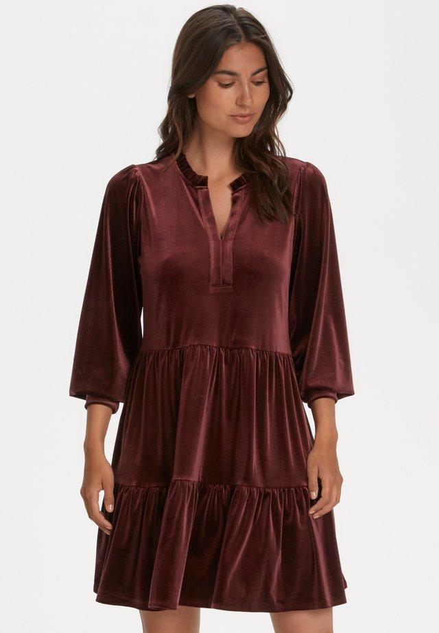 VIGGASEPW - Jersey dress - winetasting
