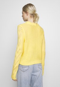 Pieces - Jumper - lemon drop - 2