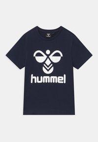Hummel - 2 PACK UNISEX - Print T-shirt - white/navy - 2