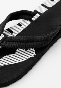 Puma - EPIC FLIP V2 UNISEX - Tongs - black/white - 5