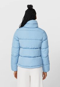 Stradivarius - MIT ROLLKRAGEN - Winter jacket - blue - 2