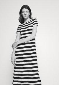 WEEKEND MaxMara - PAPAILE - Maxi dress - ivory - 3