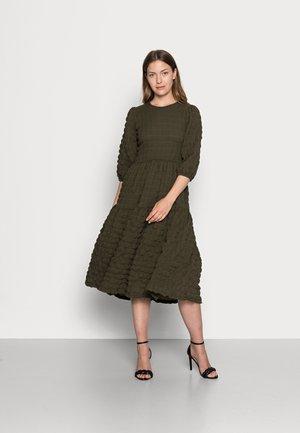 VANYA BALLOON SLEEVE DRESS - Day dress - beetle green