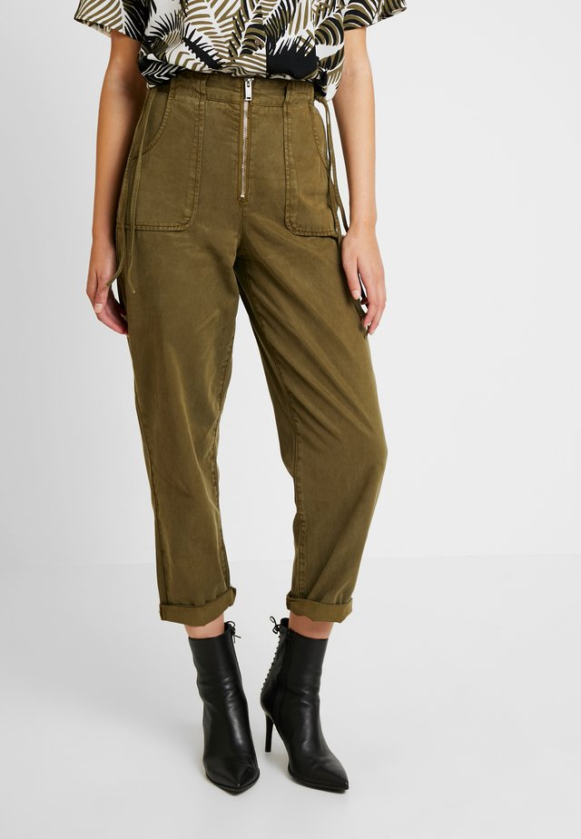 UTILITY POCKET TROUSER - Trousers - khaki