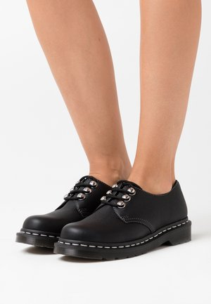 1461 - Derbies - black